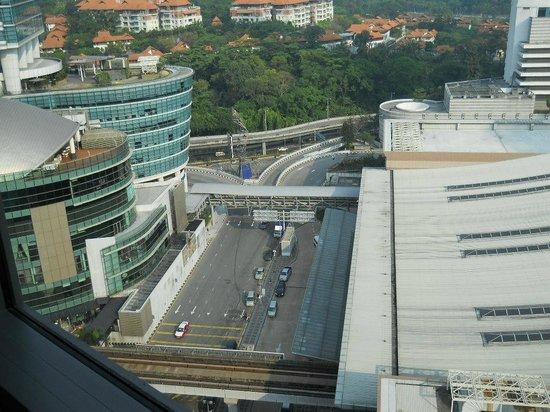 Aloft Kuala Lumpur Sentral: 窓下の眺め