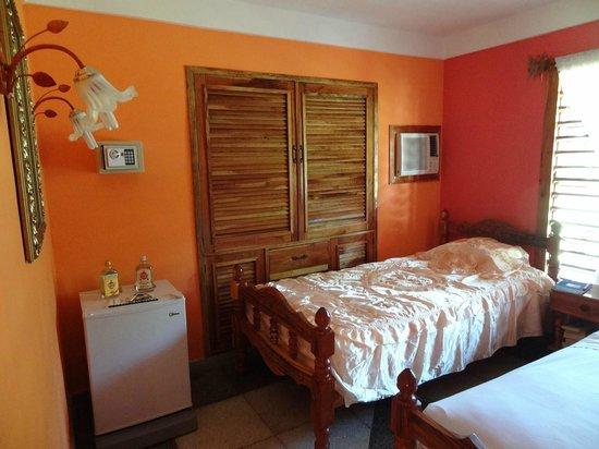 Villa El Habano: Chambre spacieuse et propre