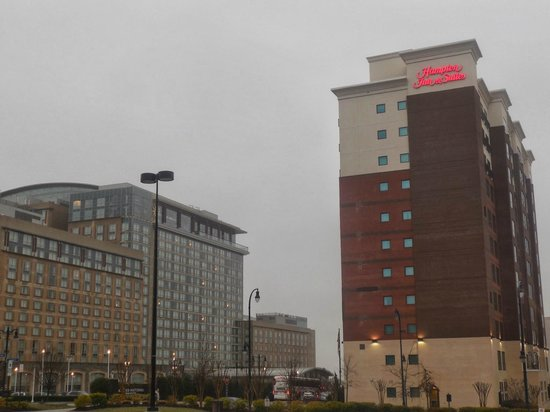 Hampton Inn & Suites National Harbor/Alexandria Area: Right across the street from the Gaylord National Habor Resort