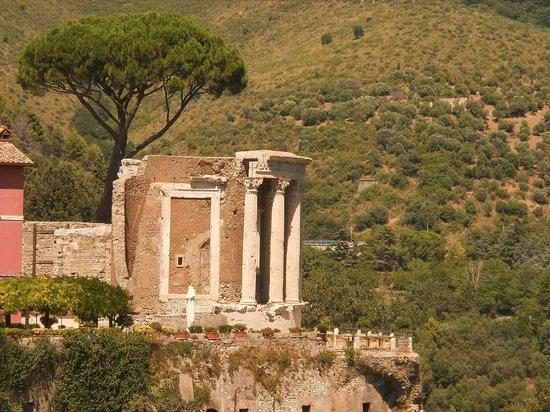 Parco Villa Gregoriana: il tempio