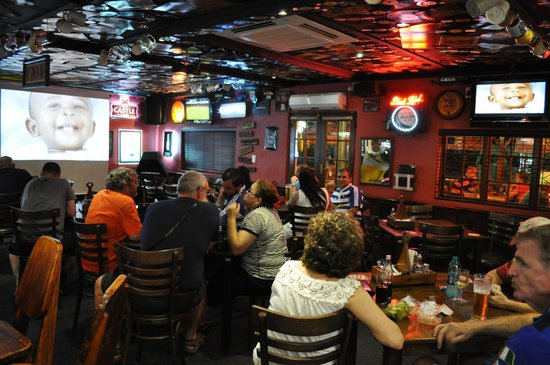 Olde's Pub and Grill: GREAT VIBE