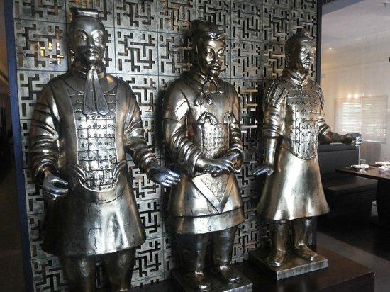 Mainland China: lifesize metallic sculptures at the entrance