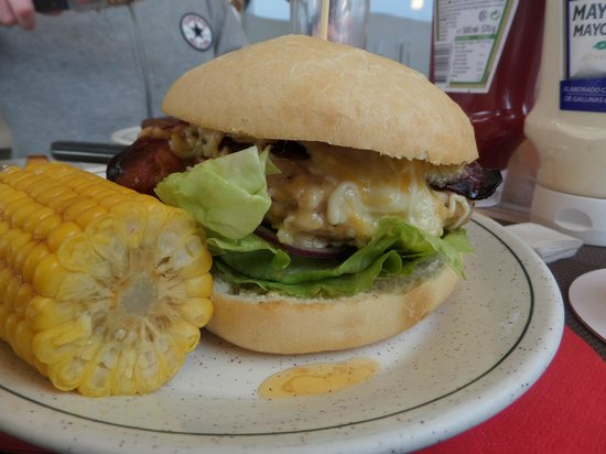 La Cucaracha-Tex Mex-Grill: The monster home made chicken burger.