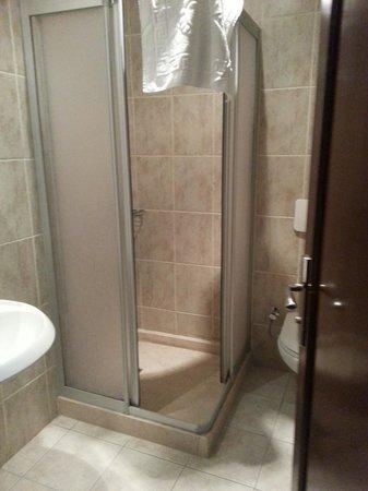 Hotel Peninsula : Salle de bain / toilettes