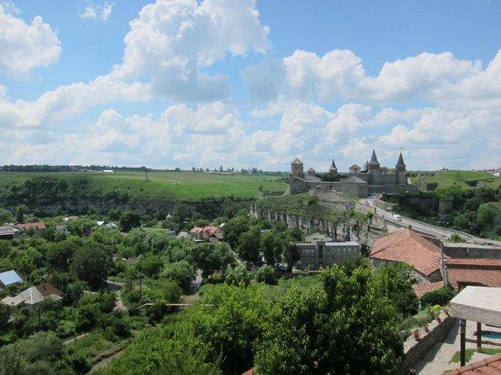 Kamenet's Podolsky Castle : Крепость и прилегающие жилые дома