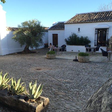 Cortijo El Guarda: een van de heerlijke mogelijkheden om buiten te zitten!