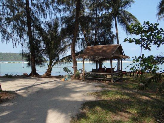 Baan Manali Resort: autre vue de la plage