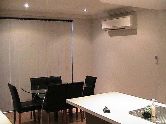 Verandah Apartments Perth: Dining Area