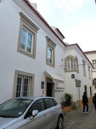 Stay Hotel Evora Centro: Eingang in der Seitengasse