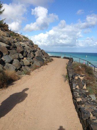 Club Jandia Princess: walk to beach