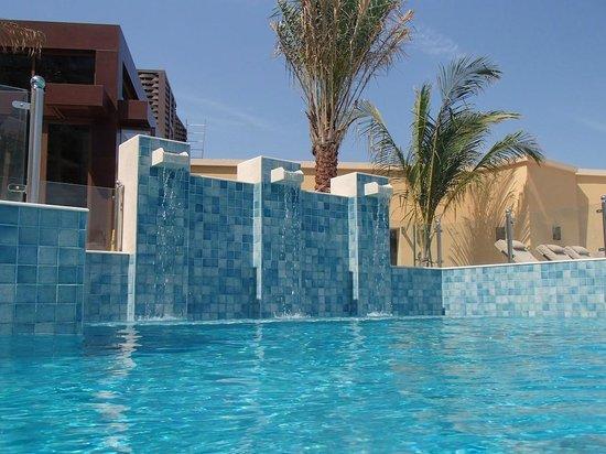 DoubleTree by Hilton Resort & Spa Marjan Island: Pool near main restaurant
