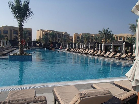 DoubleTree by Hilton Resort & Spa Marjan Island: 9:30 AM in the morning, which sunbed to choose...?