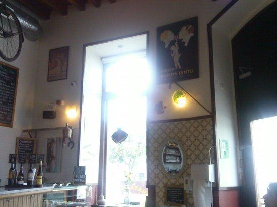 Mata Bicho - Real Taverna: Interior da Taberna
