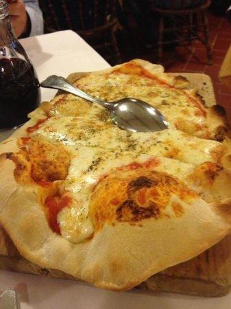 La Torretta: Pizza al formaggio