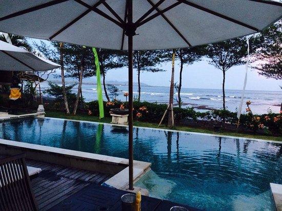 Villa Puri Purnama: More sea views from around the pool