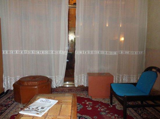 Perfect Hotel & Hostel: Lobby