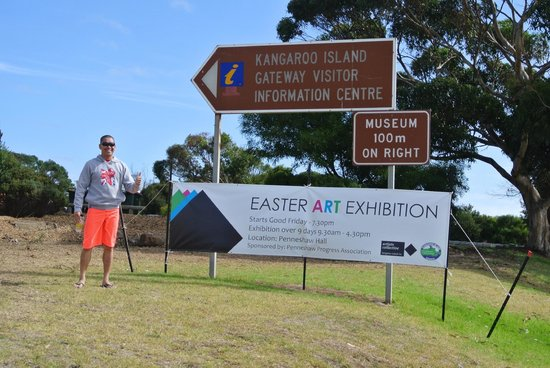 Kangaroo Island Gateway Visitor Information Centre: Me and the sign