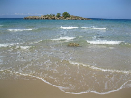 Villas Michalis: This beach is walking distance from the villa. My kids loved it!
