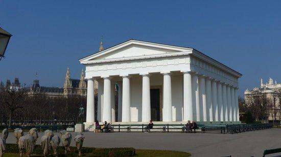 Theseus Temple at Volksgarten
