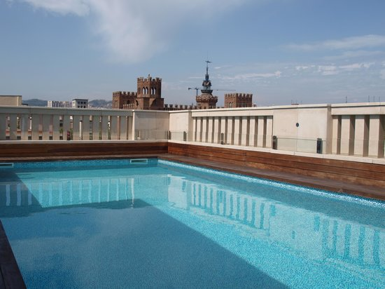 K+K Hotel Picasso: Roof-top swimming pool