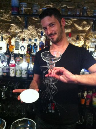 Domino Bar: IVAN super barman