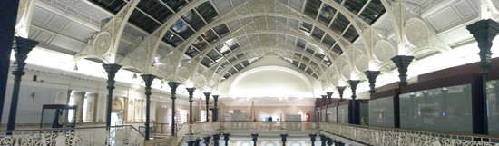 National Museum of Ireland - Archaeology: The roof in the main gallery (panoramic)
