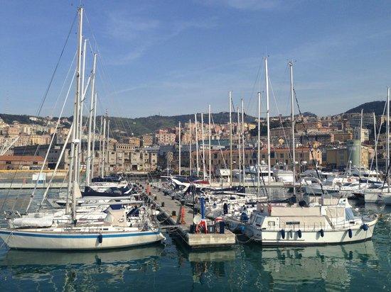 Old Port (Porto Antico) : Порт Генуи