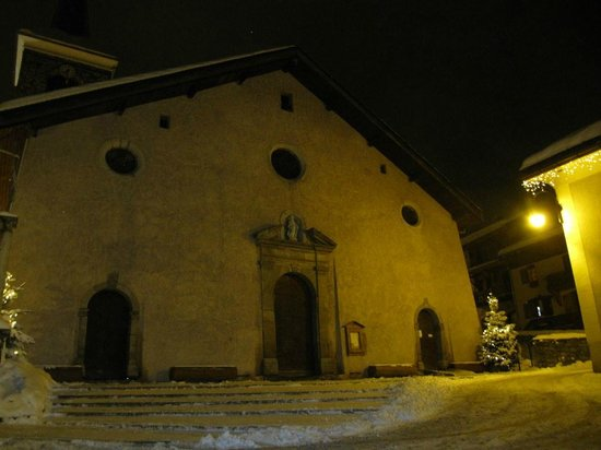 St Martin de Belleville: Church in the evening