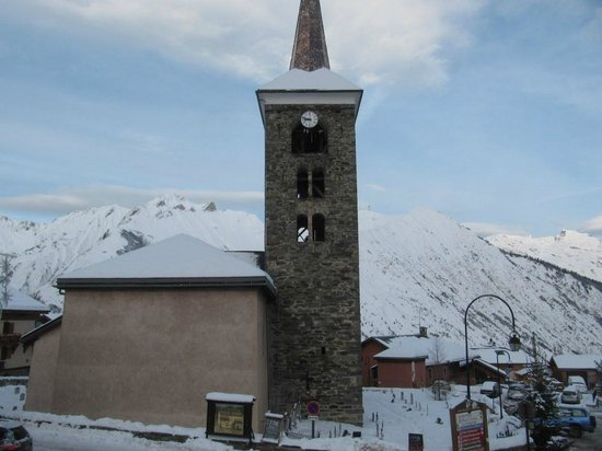 St Martin de Belleville: Church tower in the day