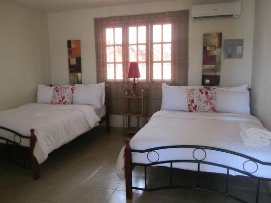 Hotel Sol y Mar : Room