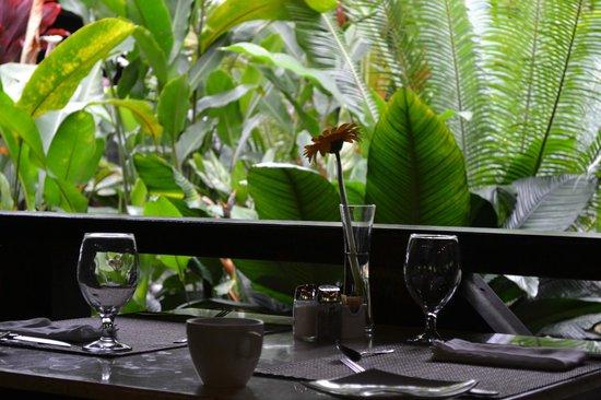 Rio Celeste Hideaway Hotel: Breakfast dining