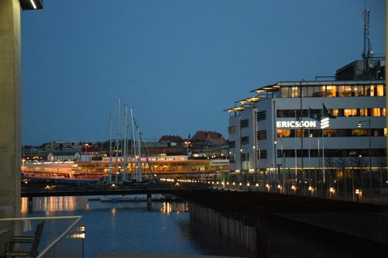 Radisson Blu Riverside Hotel, Gothenburg: Walking distance to ferry dock and business area