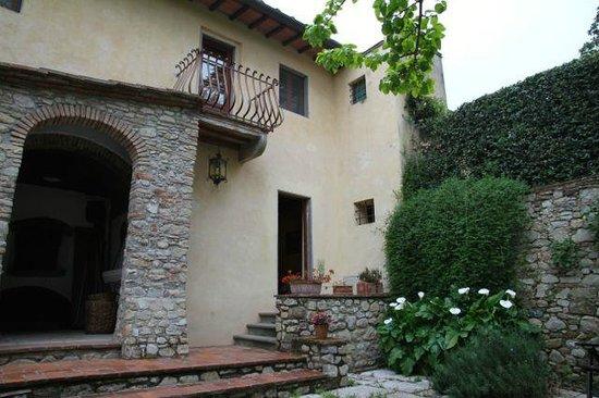 Villa Il Paradisino : Entrance to 3 bedroom apartment