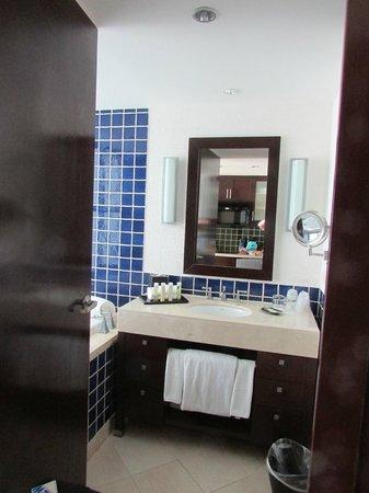 The Westin Lagunamar Ocean Resort Villas & Spa, Cancun : Sink