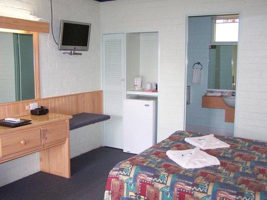 Gloucester Motel & Restaurant : Standard Room
