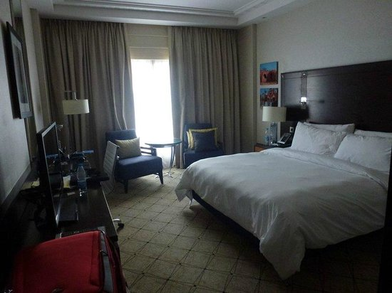 Renaissance Cairo Mirage City Hotel: Bedroom