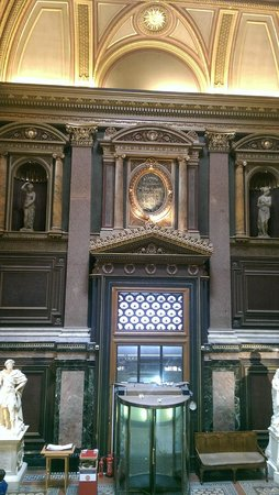 Fitzwilliam Museum : Entrance and lobby