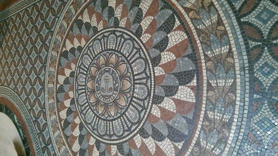 Fitzwilliam Museum : Mosaic floor