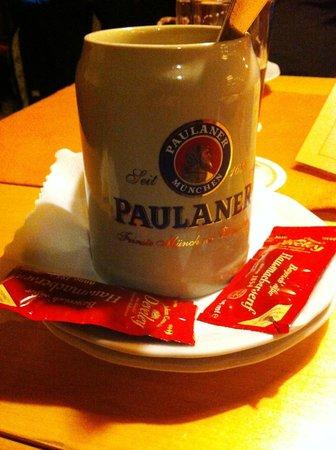 Restaurant Wolf: Так здесь подаются знаменитые белые Мюнхенские колбаски