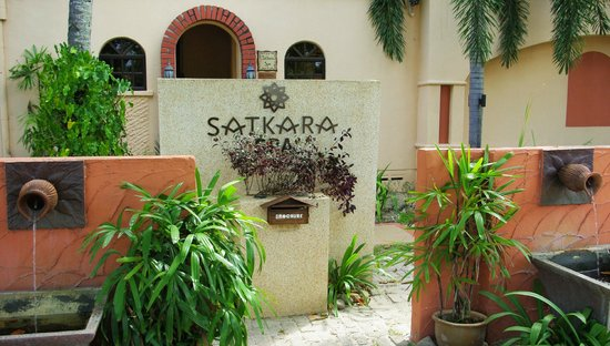 Satkara Spa at Casa del Mar: The spa entrance