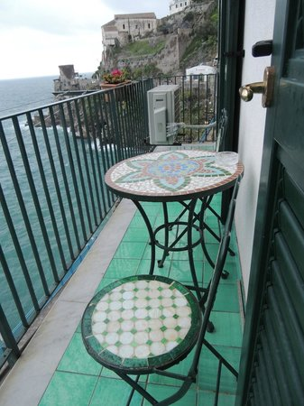 La Scogliera: Great balcony with great views