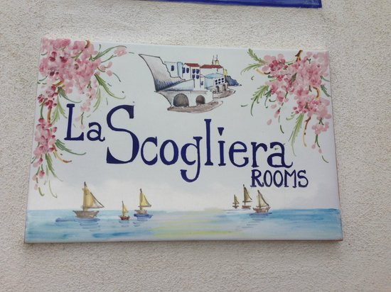La Scogliera: Room Tag