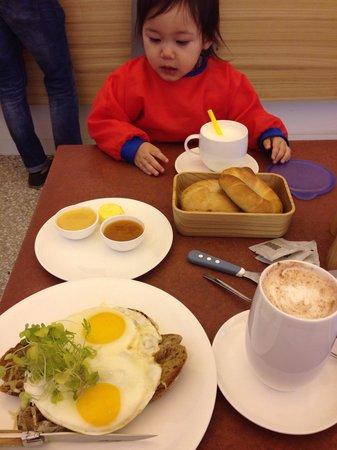 Joseph - Backerei Patisserie Bistro: Bread, egg and cheese