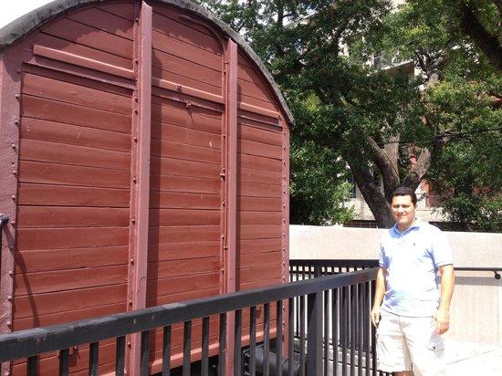 Holocaust Museum Houston : Vagão usado no holocausto