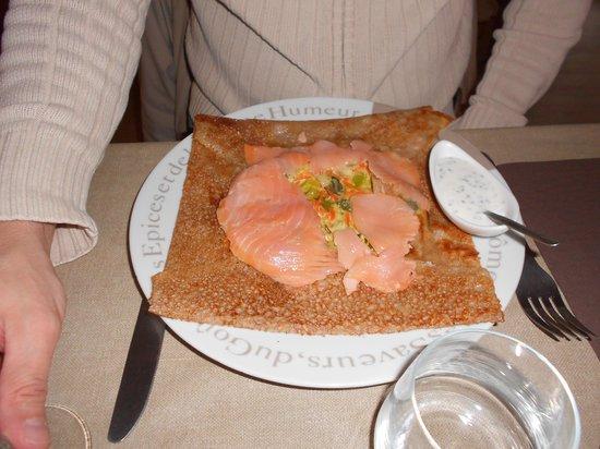 Restaurant La crêperie des oursons : crêpe au saumon et fondue de poireaux