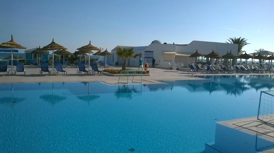 Chambre photo de club calimera yati beach midoun for Club piscine lasalle