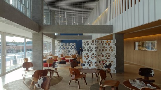 OD Port Portals: Lobby/lounge
