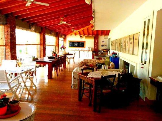 Cadde 75 Otel: kahvaltı salonu