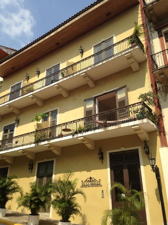 Patty's Casitas: Newly renovated building