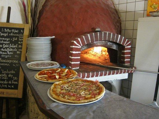 Il Casale: Pizzas
